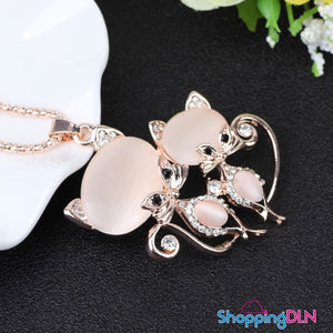 long collier chat or rose