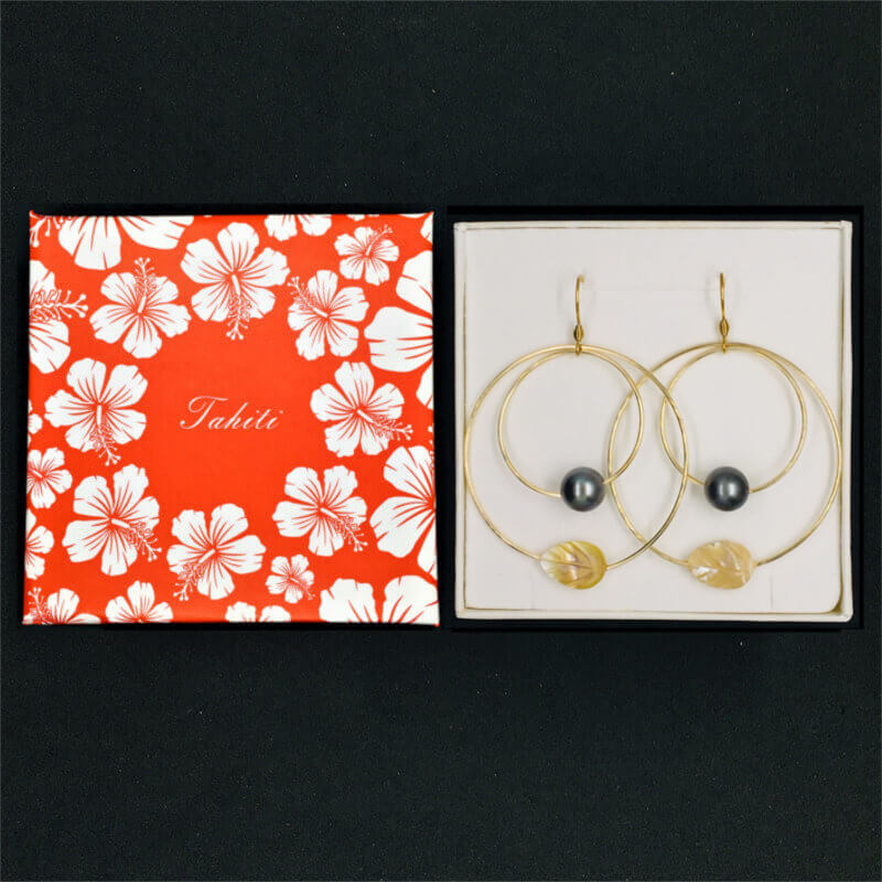 earrings with pearls & golden mother-of-pearl leaf in gift box