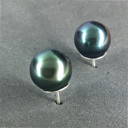 Stud earring women