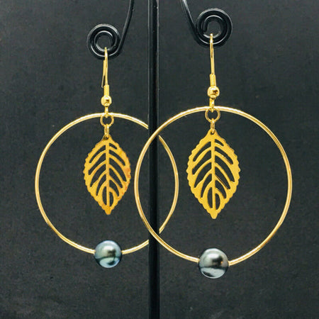 earrings with pearls & golden thin leaf