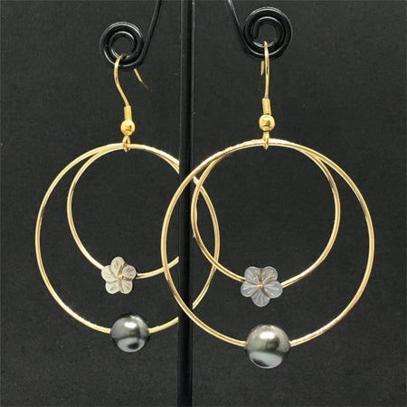 hoop earrings look with little white flowers