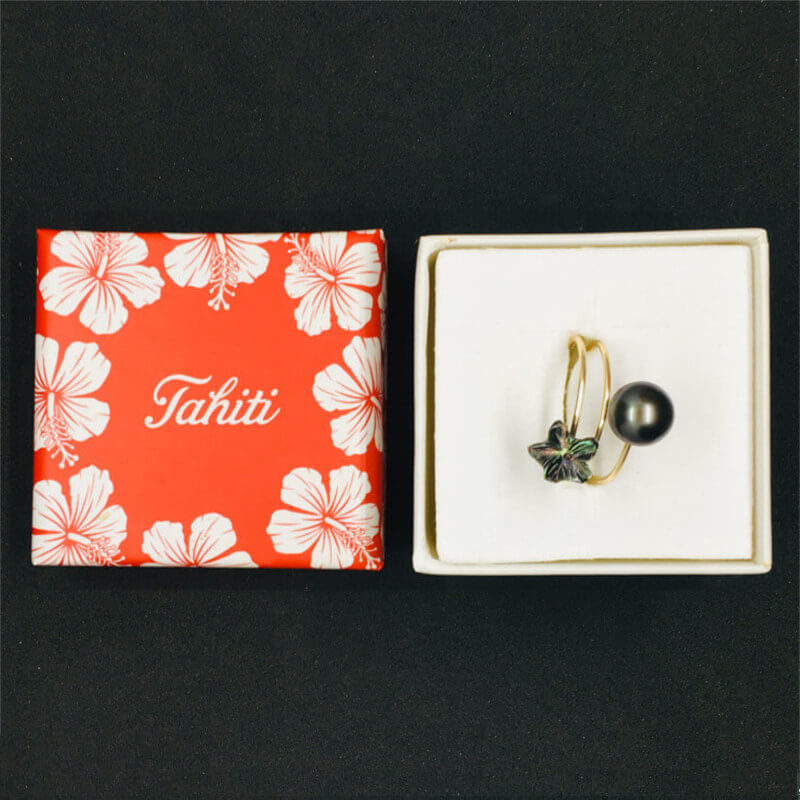 ring with pearl & black mother-of-pearl flower in gift box