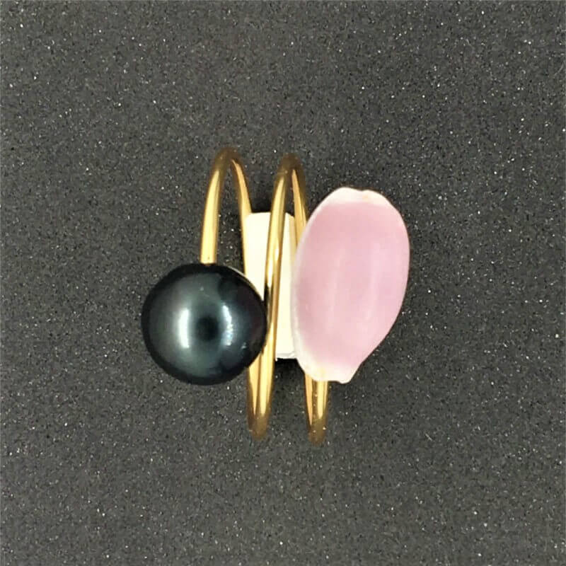 ring with Tahitian pearl & natural pink shell