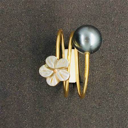 Ring with Tahitian black pearl & White Flower