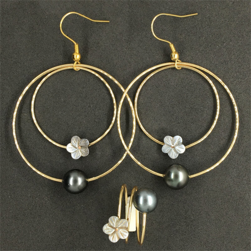 Earring with Pearl & White Flower
