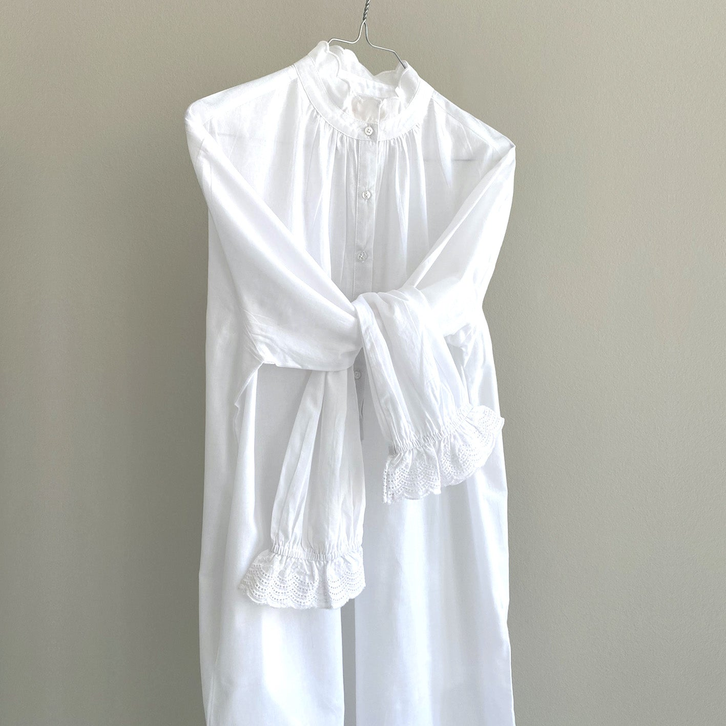 DRESS // WOMEN // WHITE COTTON & LACE