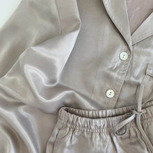 WOMEN // SILK PYJAMAS SET // PEARL