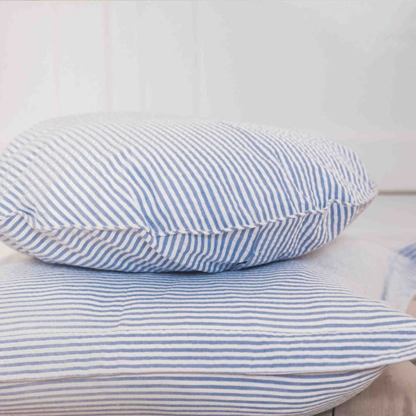 Pillow case blue stripes seersucker round