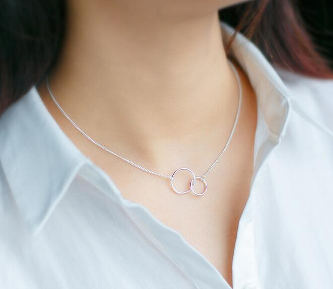 Sterling Silver Interlocking Double Circle Pendant Necklace