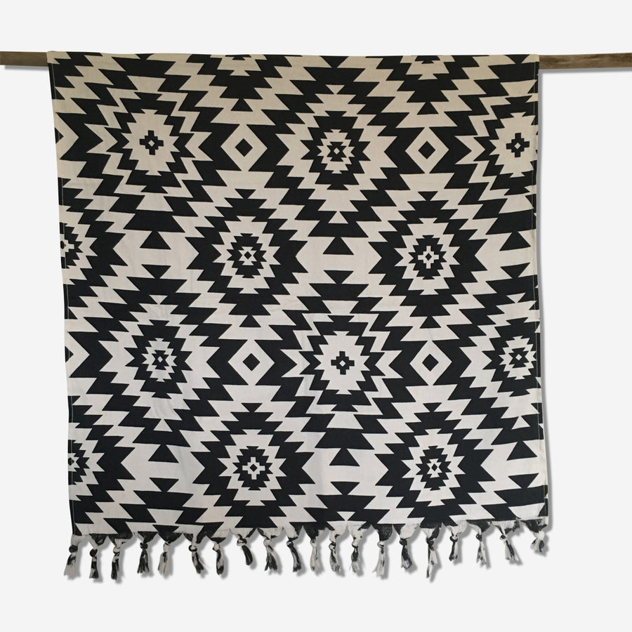 Beach and bath towel - hand-loomed Pestemal