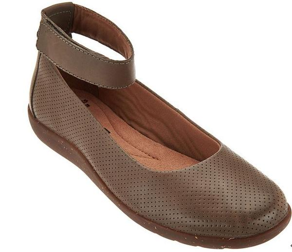 Clarks Collection Leather Flats Medora Nina Sage - A