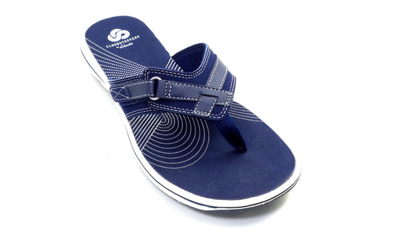 CLOUDSTEPPERS by Clarks Sport Thong Sandals Breeze Sea Navy - NEW