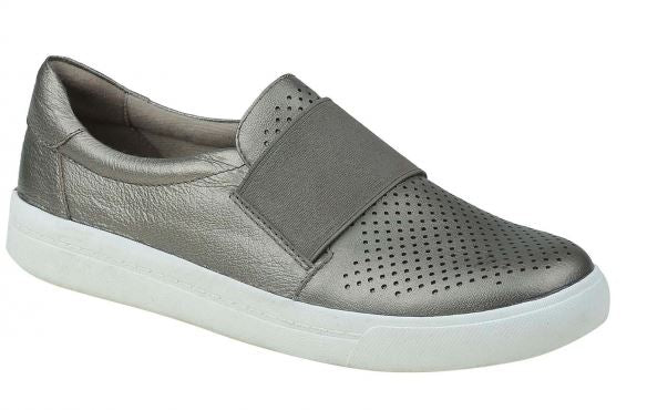 Earth Origins Perforated Leather Slip-On Shoes Melissa Platinum - A