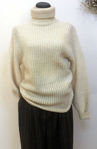 Boyfriend's Vintage Shetland Wool Ivory Turtleneck Sweater