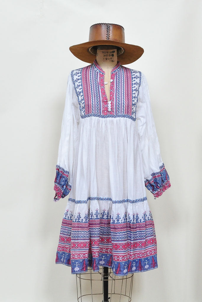 Market 1970s India Pakistan White w Block printing  Dress