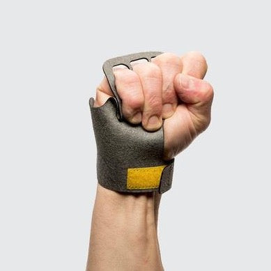 thewodguys-com - Victory Men Stealth 3 finger - Grips