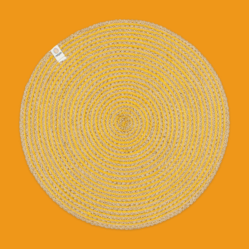 Round Spiral Jute Tablemat in Natural/Yellow