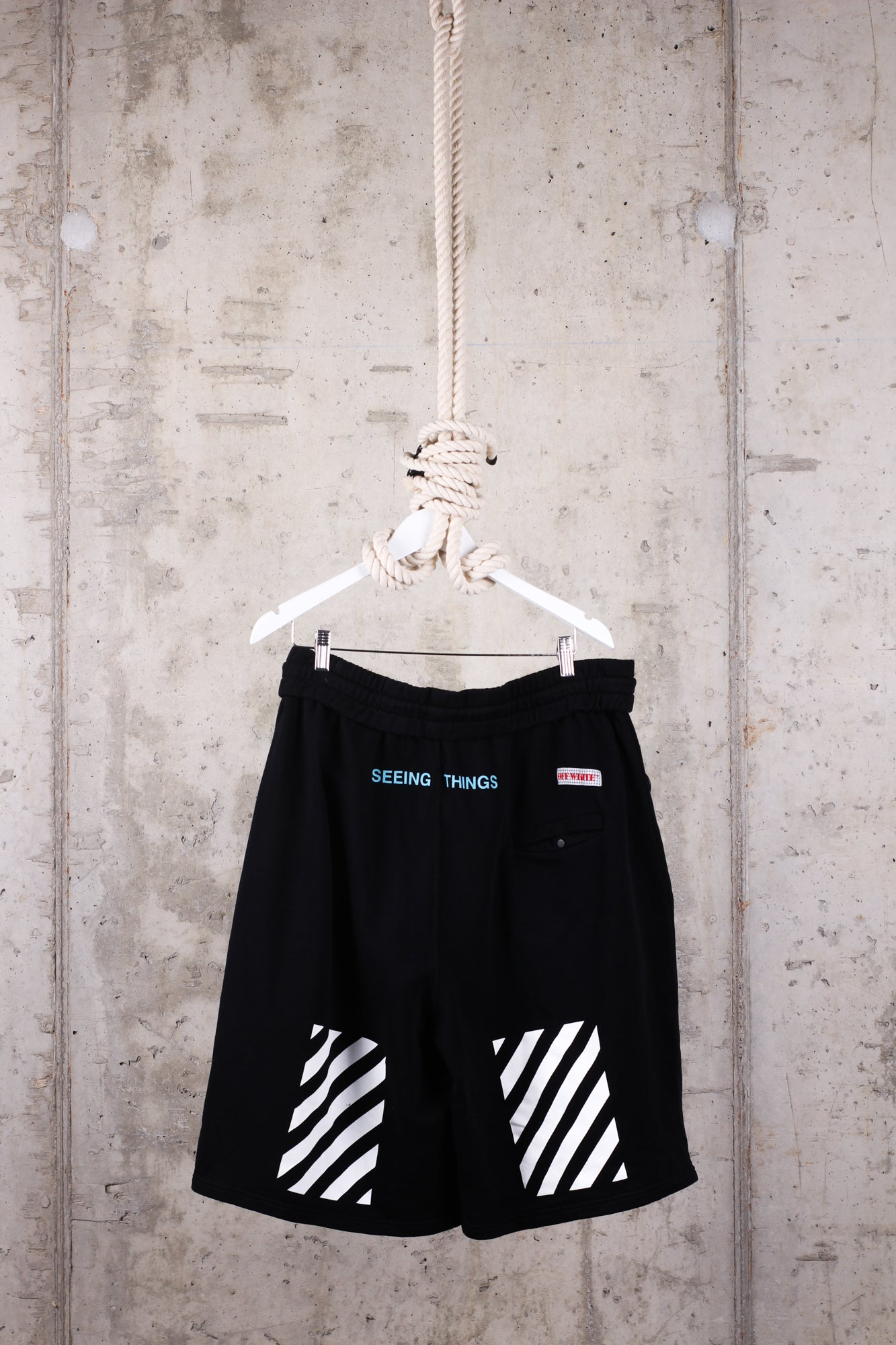 OFF-WHITE Seeing Things Shorts - Size Large