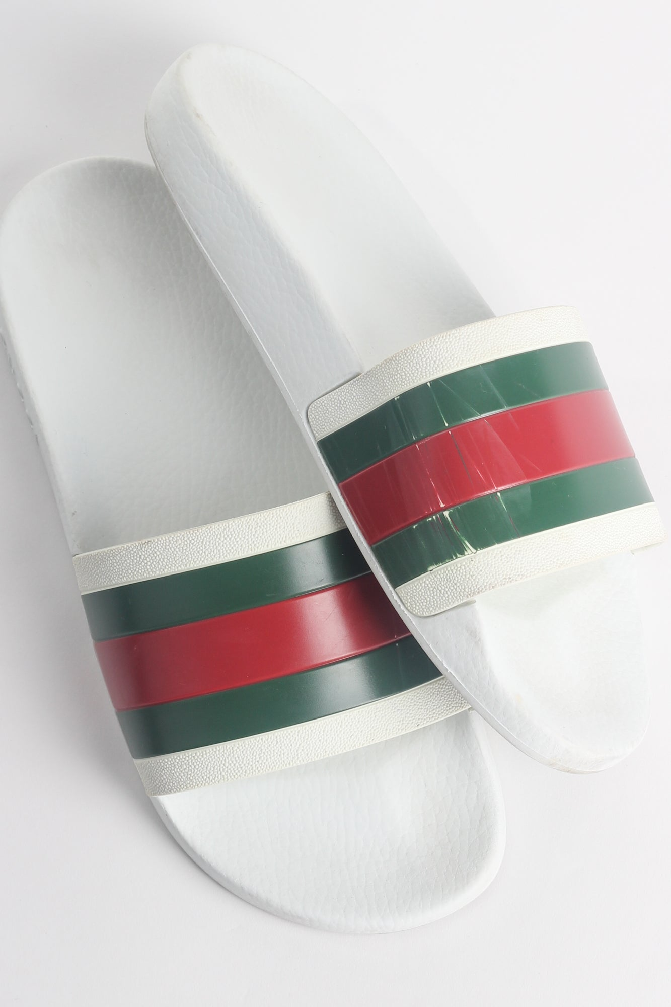 GUCCI PURSUIT '72 RUBBER SLIP-ON SLIDES IN WHITE