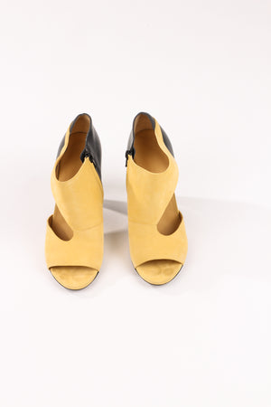Balenciaga Yellow Cut Out Pump UK 6. 5 / EU 39. 5