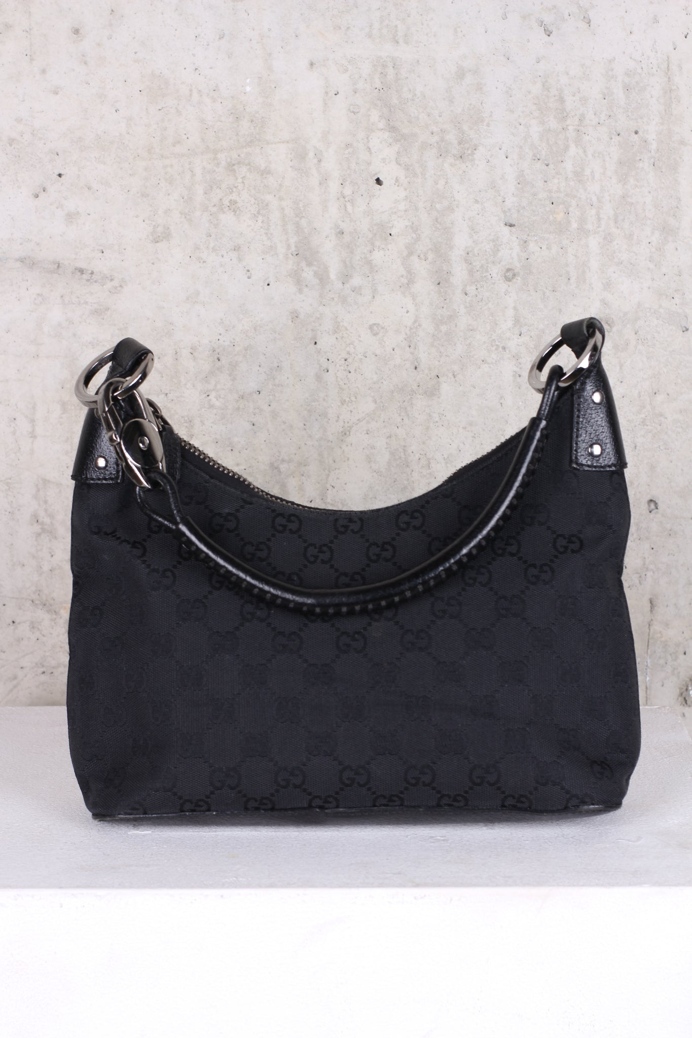 GUCCI GG LOGO  CANVAS SHOULDER BAG BLACK small