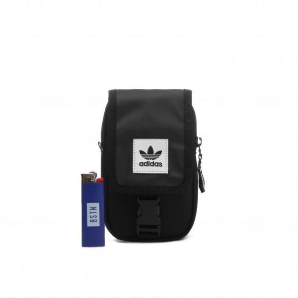 c758acb1be96 Mini Bolsa Adidas Originals Map Preta - Outlawz
