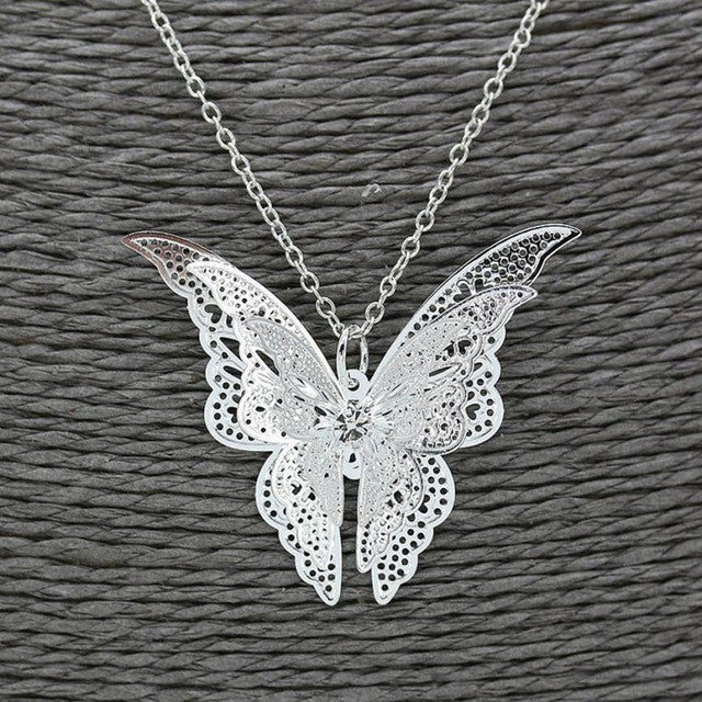 Women Lovely Butterfly Pendant Chain Necklace Jewelry Hollow Butterfly Necklace