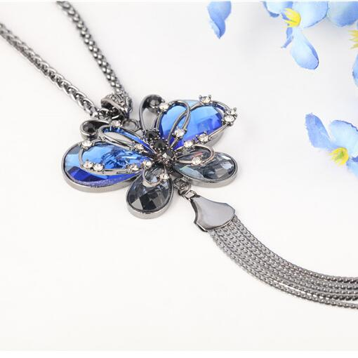 Min. order $10. Free shipping! Wholesale Cute Luxury Imitation Diomands Butterfly Necklace. Fashion Women Bowknot Jewelry