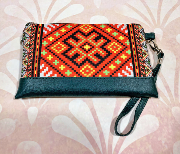 "Faux Leather Clutch ""Traditional"""