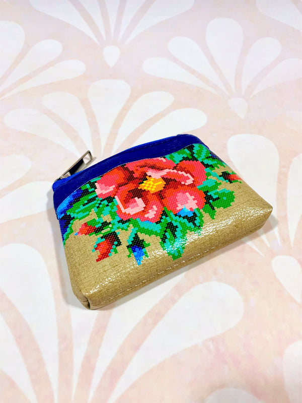 "Girl's Change-Purse ""Flowers"""