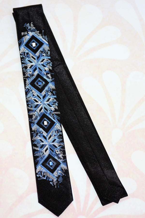 Thin Necktie with Artistic Embroidery