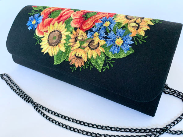 "Black Clutch ""Ukrainian Bouquet"""