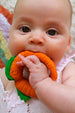 Oli & Carol Naturkautschuk Teether - Cathy the Carrot