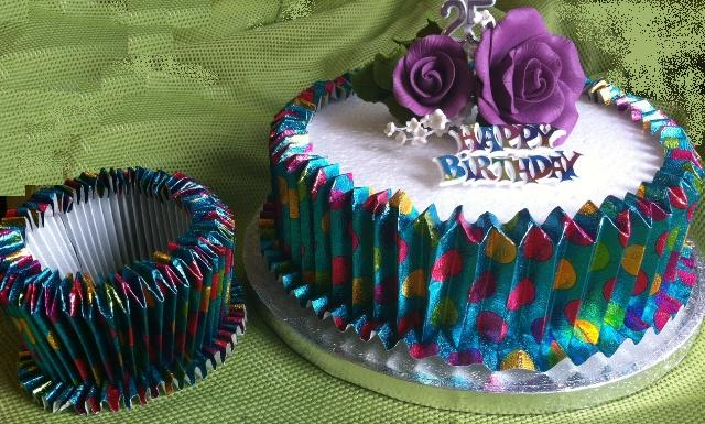 Expandable Frill - Party Cake Collar