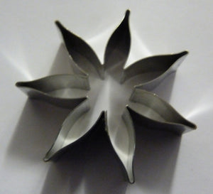7 petal Calyx 40mm (176).  Fine Cut  Cutters