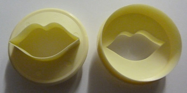 FMM Cutters - Cupcake Cutters - Lips and Circle
