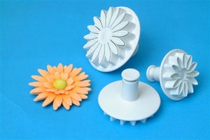 Sunflower/Daisy/Gerbera set of 3. 45mm, 56mm and 70mm.  PME Cutters