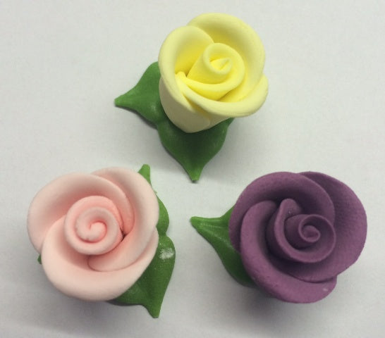 Sugar Flowers - Rose - Small with Leaves. Pack of 5, each flower 2cm diameter approx