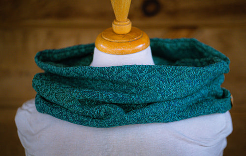 Double-layer thick seasilk cowl with sparkle Supima weft
