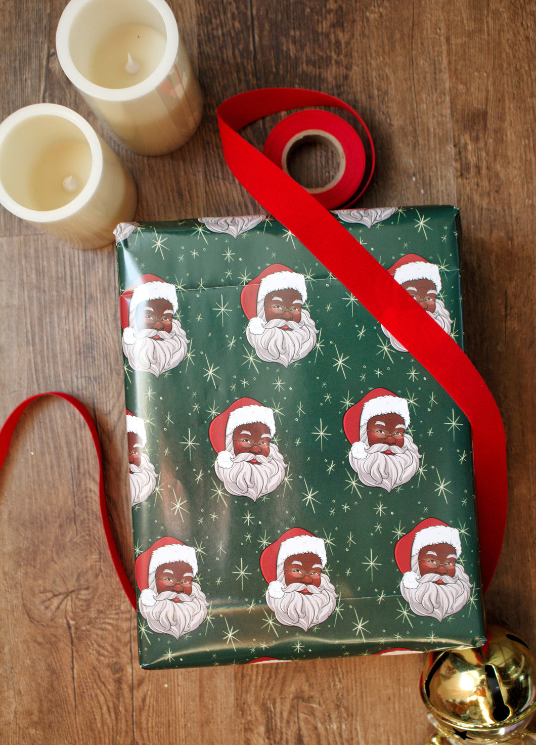 Black Santa Claus Wrapping Paper Kit (Green)