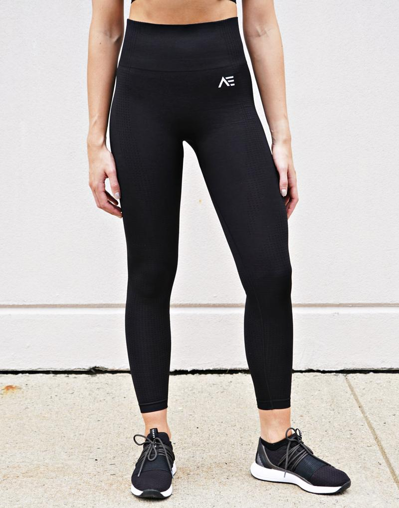 DOMINATE SEAMLESS LEGGINGS  - BLACK