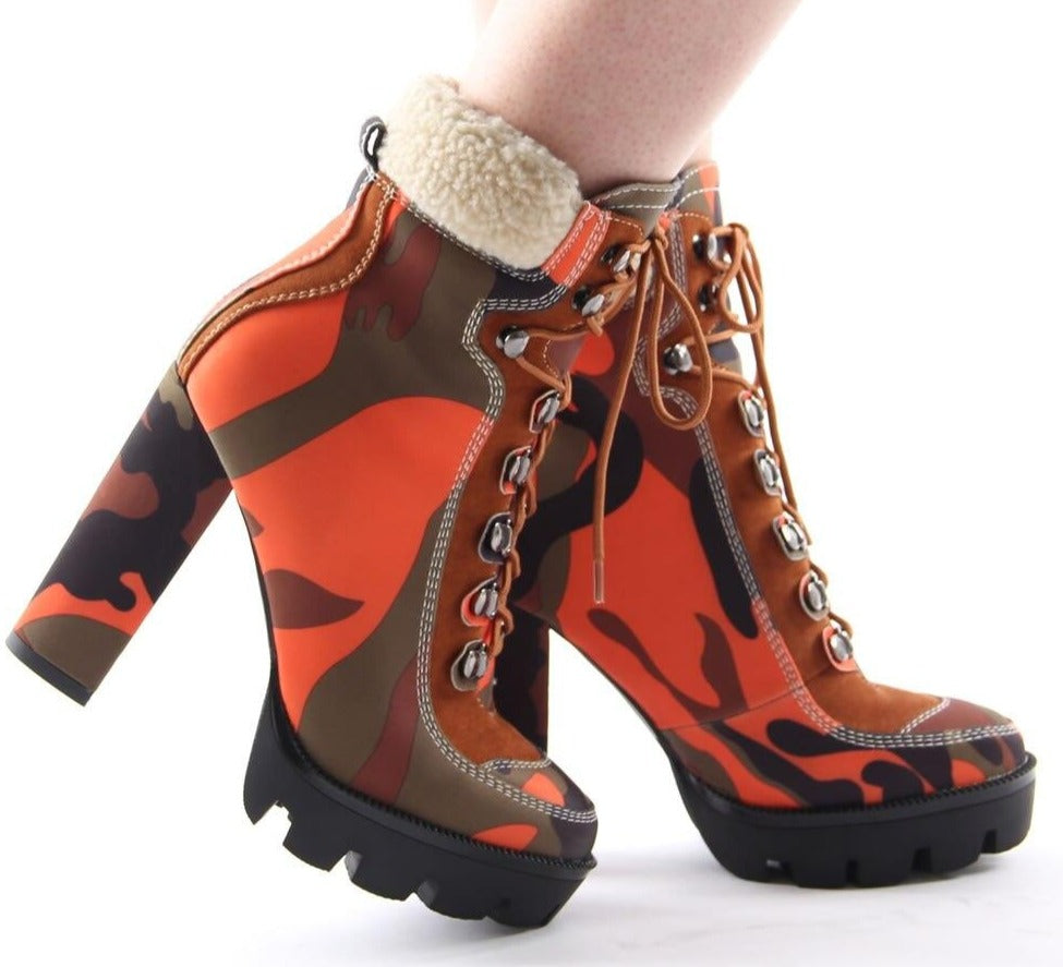 "New Cute ""Hot N Ready"" Chunky Platform Warm Fur Camouflage Ankle Boots"