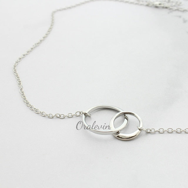 Delicate Silver Interlocking Triple Circles Necklace for 3 Sisters/Best Friends for Eternity