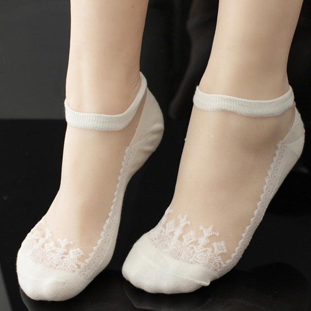 see-through invisible ankle socks clear fabric white lace dainty elegant lolita mori girl larme harajuku japan fashion by kawaii babe