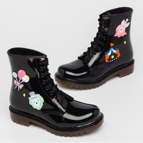 kawaii black rubber rainboots waterproof water shoes pvc plastic ankle booties japan harajuku fashion by kawaii babe