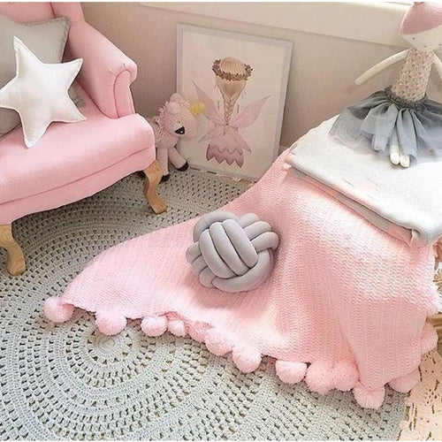 Pom Pom throw blanket  - Light Pink - Hope & Jade