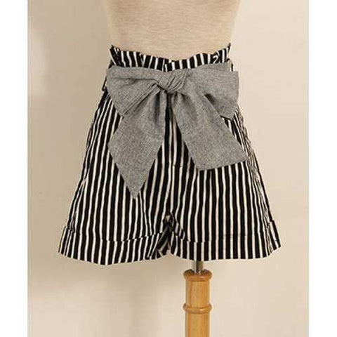 Vintage Vetical Strip Print High Waist Bowknot Embellished Women's Shorts - Black M