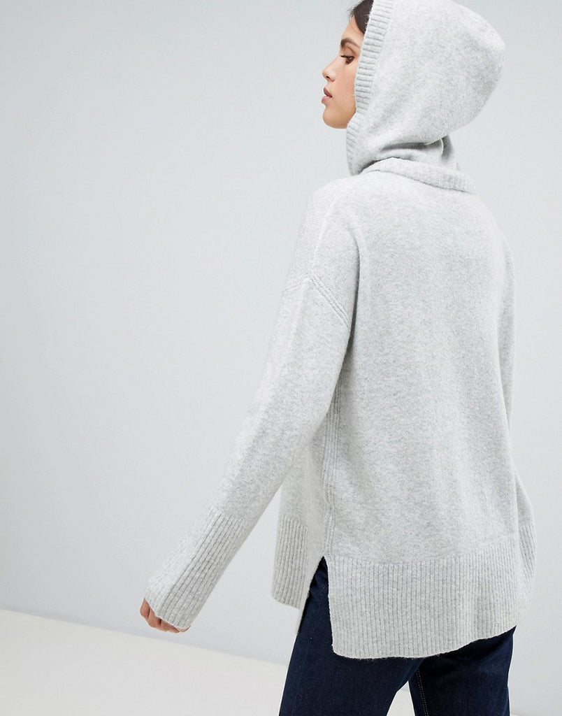 Knitted hoodie in grey