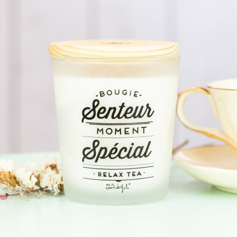 "Bougie ""Moment spécial"", senteur : Relax Tea, de la Mr Wonderful, vendue sur shop.the-happy-factory.com"