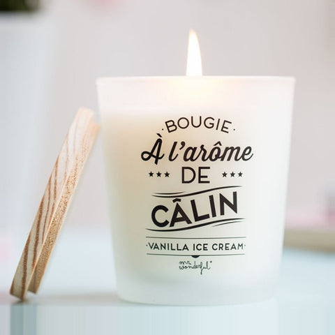 "Bougie ""à l'arôme de câlin"" - Senteur : Vanilla Ice Cream (Glace à la vanille) de la marque Mr Wonderful, vendue sur shop.the-happy-factory.com"